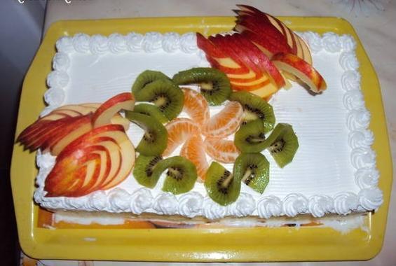 Бисквитена плодова торта