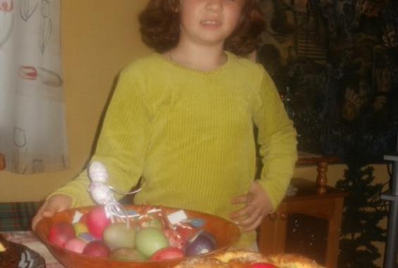 Козунак с локум, стафиди, портокалови и лимонени корички