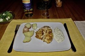 Бяла риба на скара с орехов сос