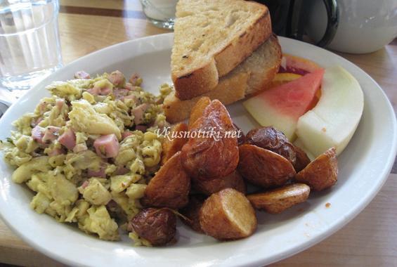 Яйца с шунка или салам