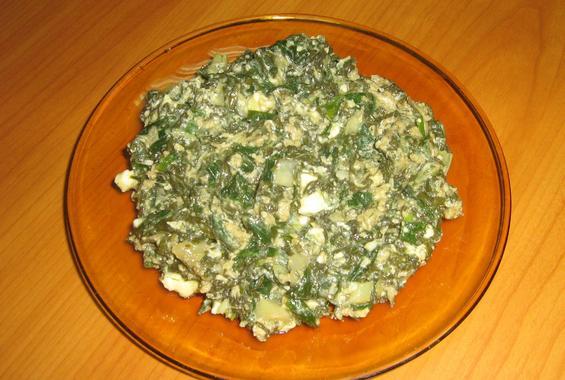 Пърженка с пресен кромид, лапад, яйца и сирене