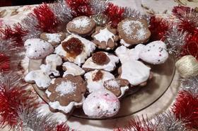 Коледни какаови сладки с целуфчена глазура