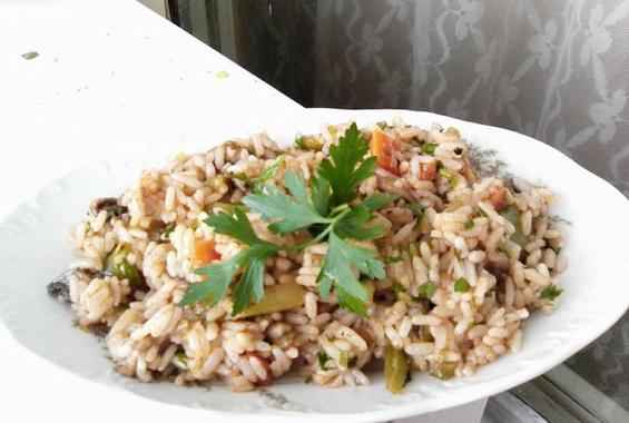 Вкусен ориз със зеленчуци