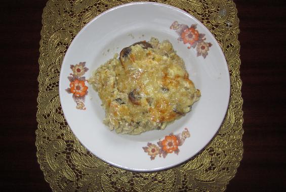 Пиле с ориз, гъби и яйца