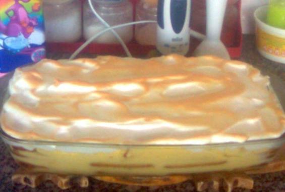 Торта с бисквити и ванилов крем
