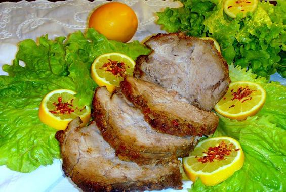 Свински бут с лимон