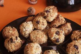 Хрупкави бонбони с кокосови стърготини