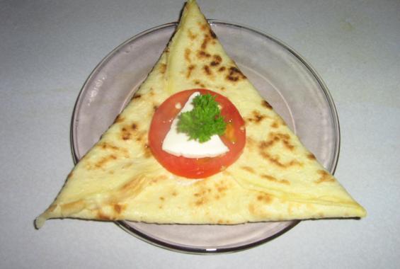 Палачинка с пилешко месо, майонеза и сметана