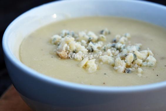 Картофена супа със сирене