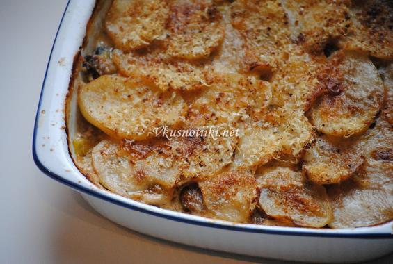 Картофи с мляко и сирене на фурна